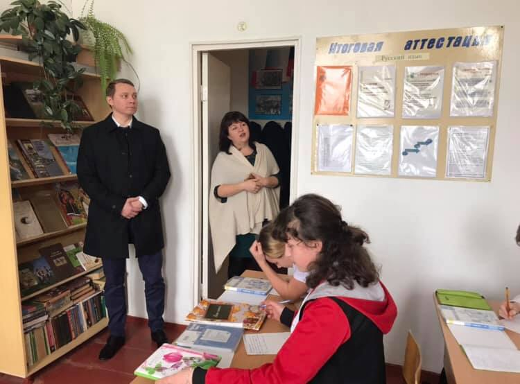 Глава Абинского района посетил школу ст. Эриванской