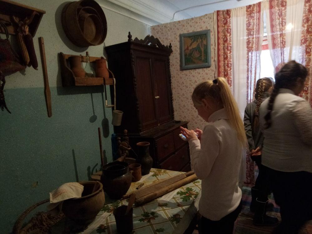 Более трехсот человек побывали в музейной комнате в Ахтырском КДЦ за время проведения военно-патриотического месячника