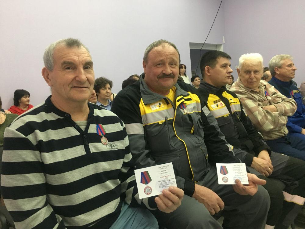 В поселке Ахтырском наградили пожарных