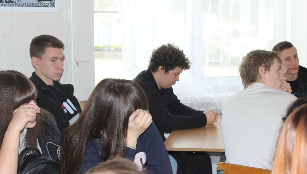 В поселке Ахтырском прошел брейн-ринг для молодых избирателей