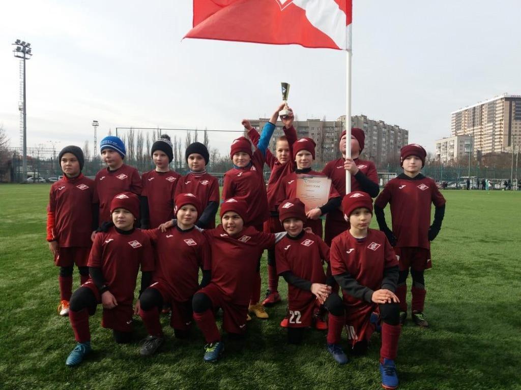 Абинские «спартаковцы» стали чемпионами зимнего первенства Краснодарского края по футболу