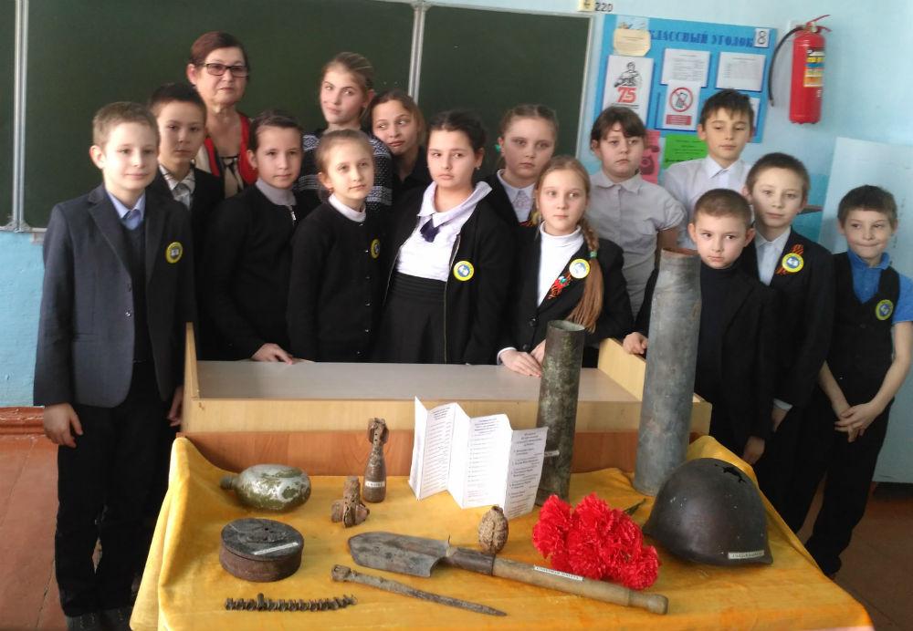 В школе хутора Ленинского прошел час памяти