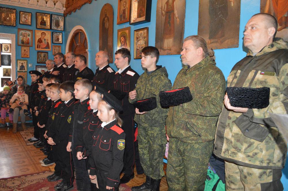 В станице Холмской казачата и казаки приняли присягу