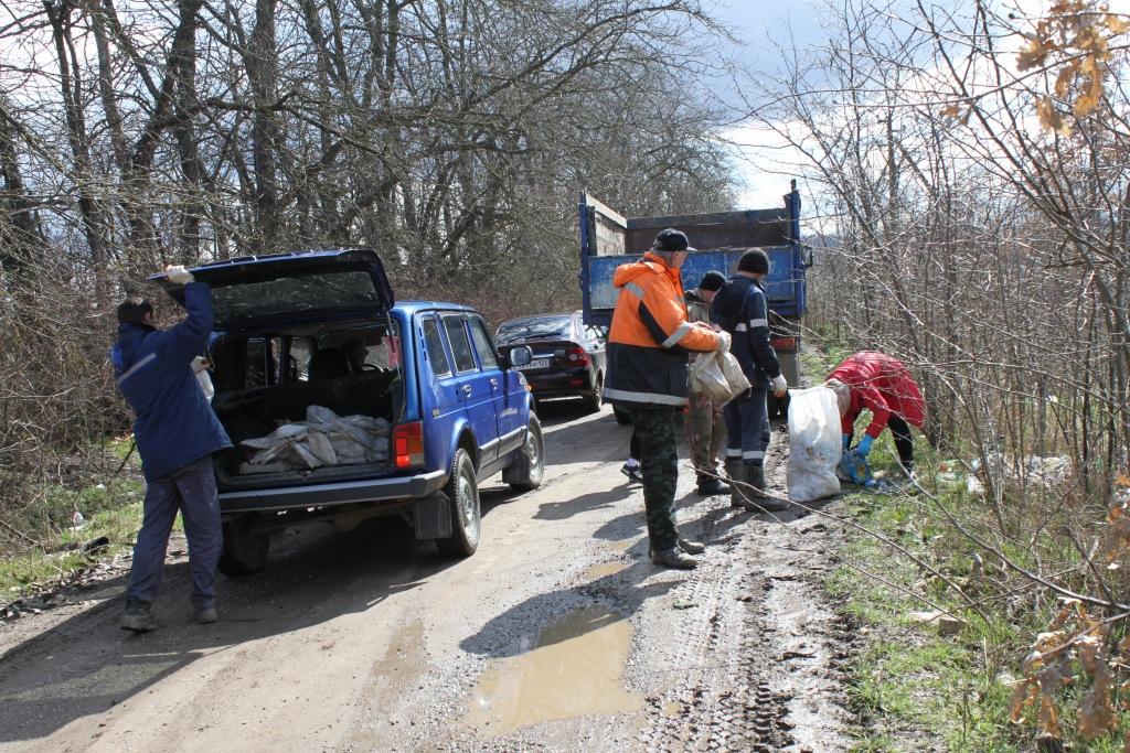Навели порядок на границе Абинского и Северского районов