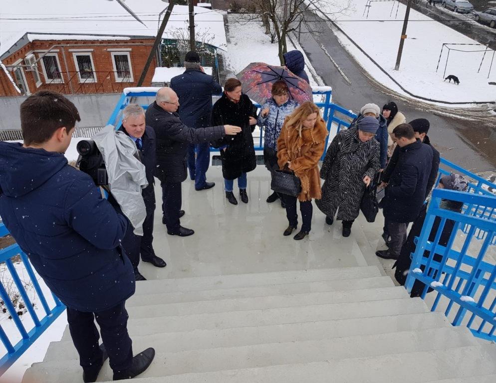 Депутат Госдумы и жители Армавира назвали «халтурой» работу подрядчика Росимущества, взявшегося за реконструкцию железнодорожного перехода в многонаселенном районе города