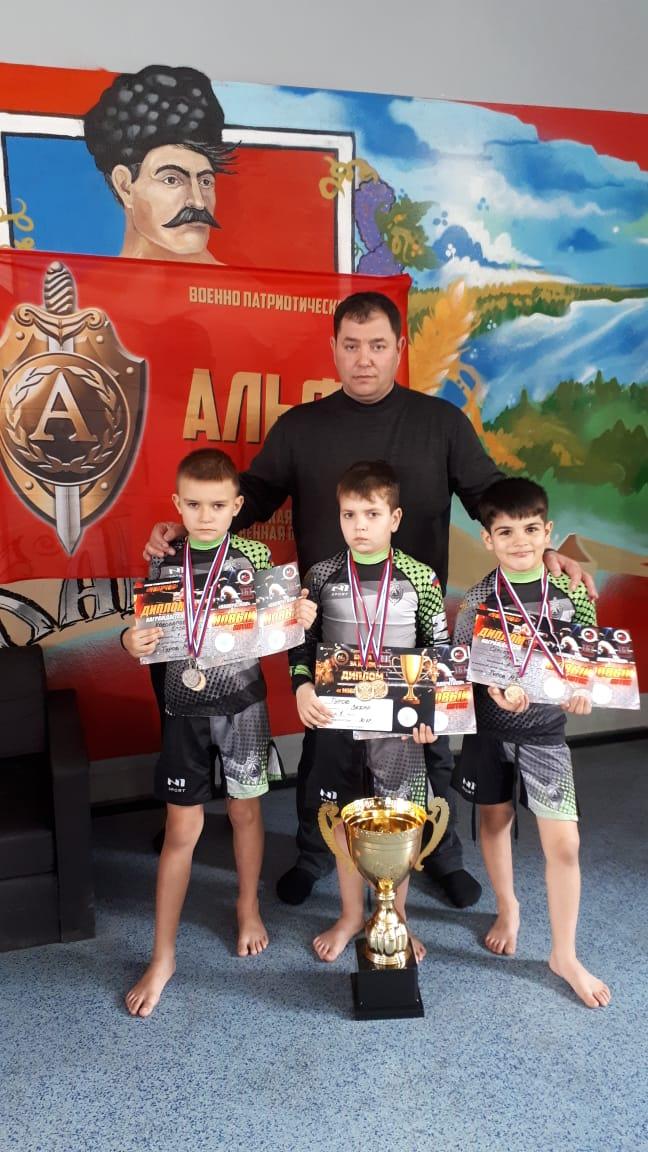 Абинские бойцы одержали победы сразу на трех турнирах