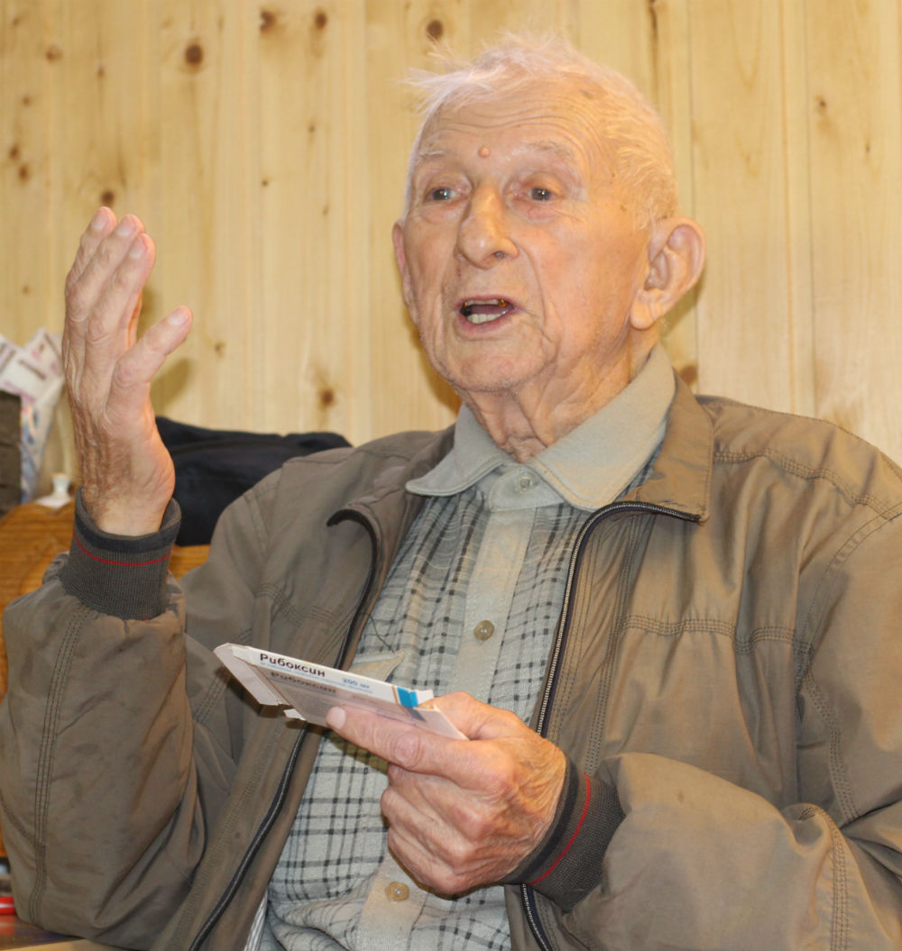 Редакция газеты «Восхода» проводит акцию в честь ветеранов «Домик у дороги»