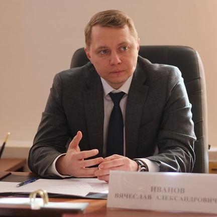 Глава Абинского района Вячеслав Иванов на сессии Совета обратился к депутатам