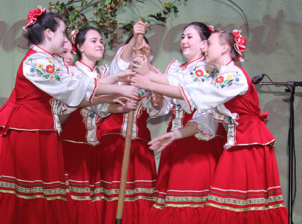 В Абинске прошел финал фестиваля литературно-музыкальных композиций «Край казачий – родная земля!»