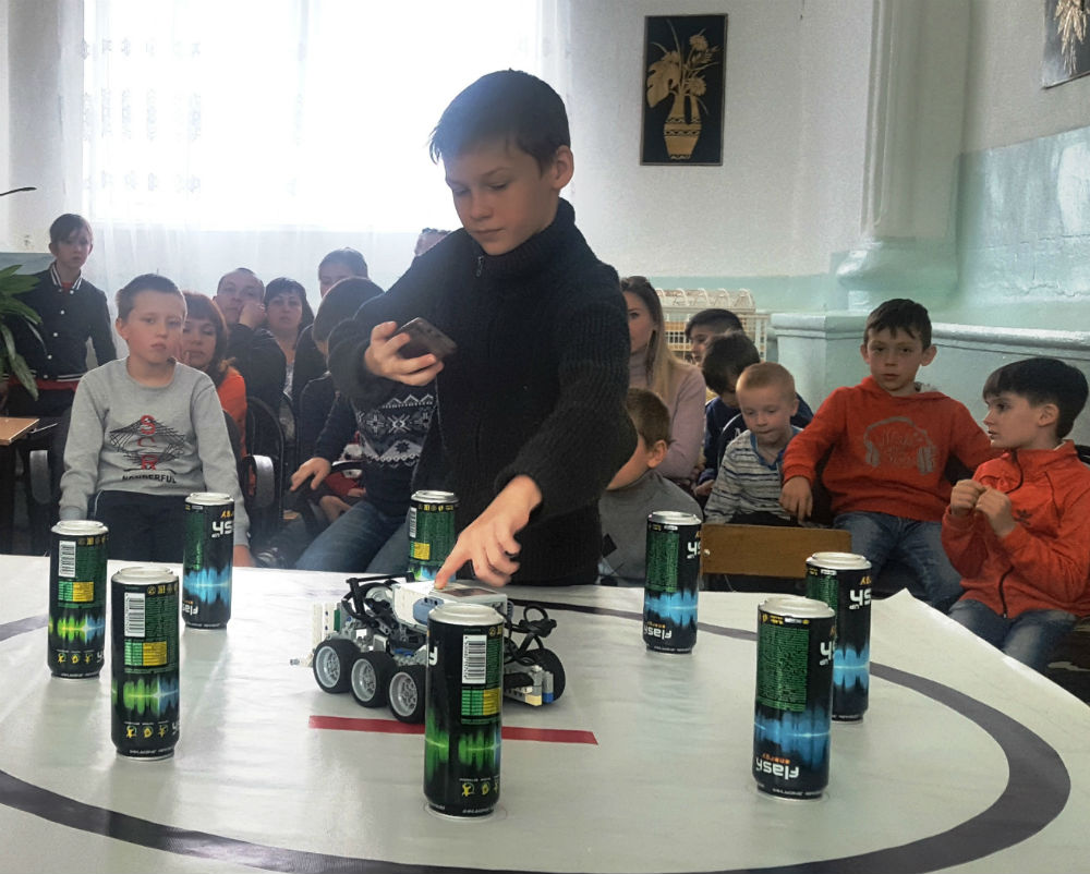 В поселке Ахтырском соревновались роботы