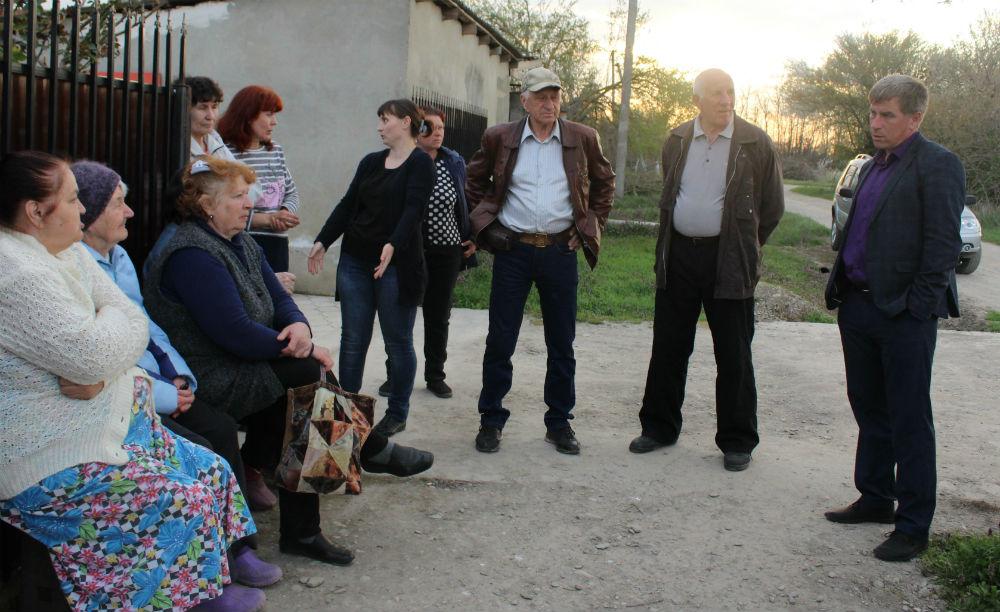 Глава Абинского городского поселения встретился с жителями хутора Коробкин
