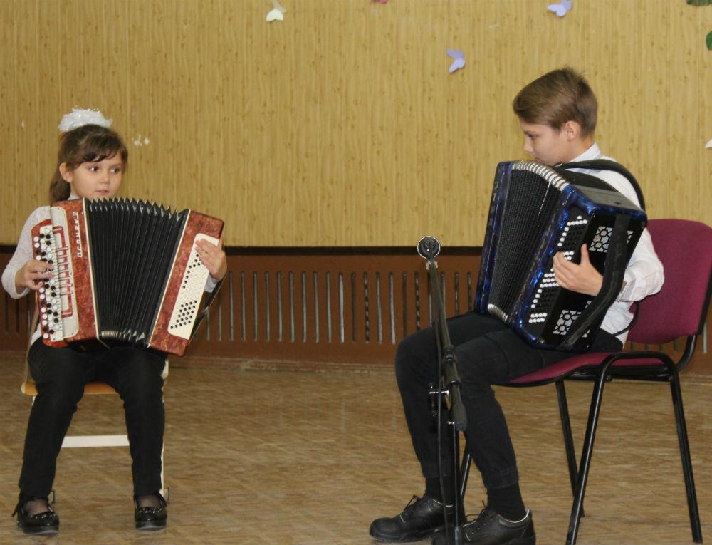В детской музыкальной школе г. Абинска прошел традиционный фестиваль семейного творчества
