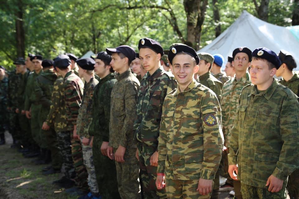В Абинском районе проходят пятидневные учебные сборы для десятиклассников