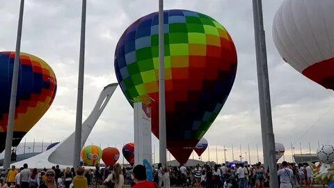 Жители Сочи запустили в небо аэростаты в знак перехода на цифровое телевидение
