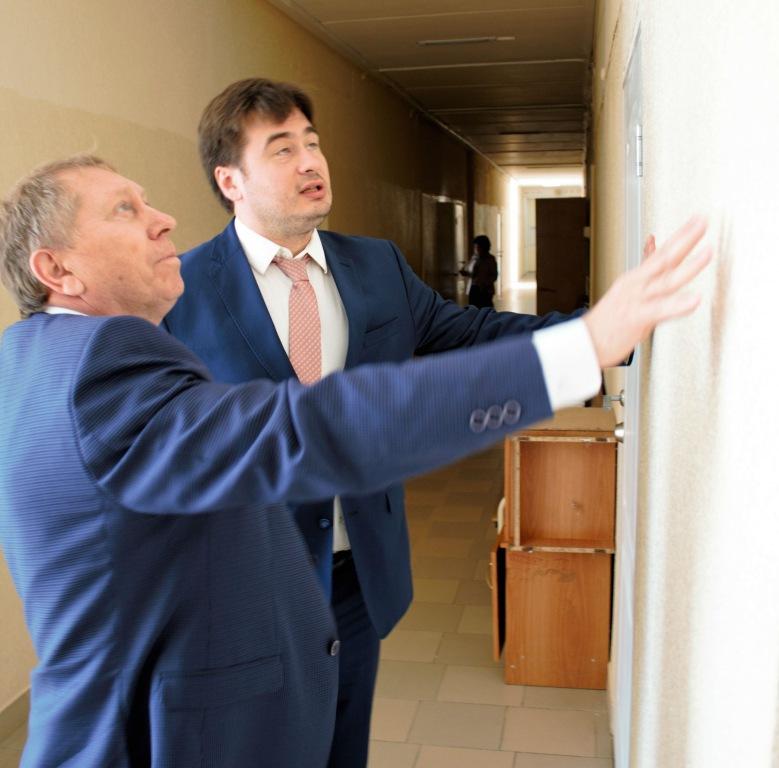 Депутат ЗСК встретился с главврачом Абинской ЦРБ
