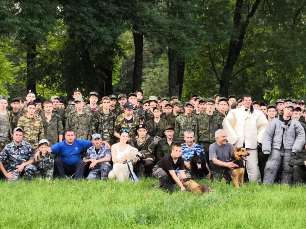 Абинские полицейские посетили палаточный лагерь старшеклассников