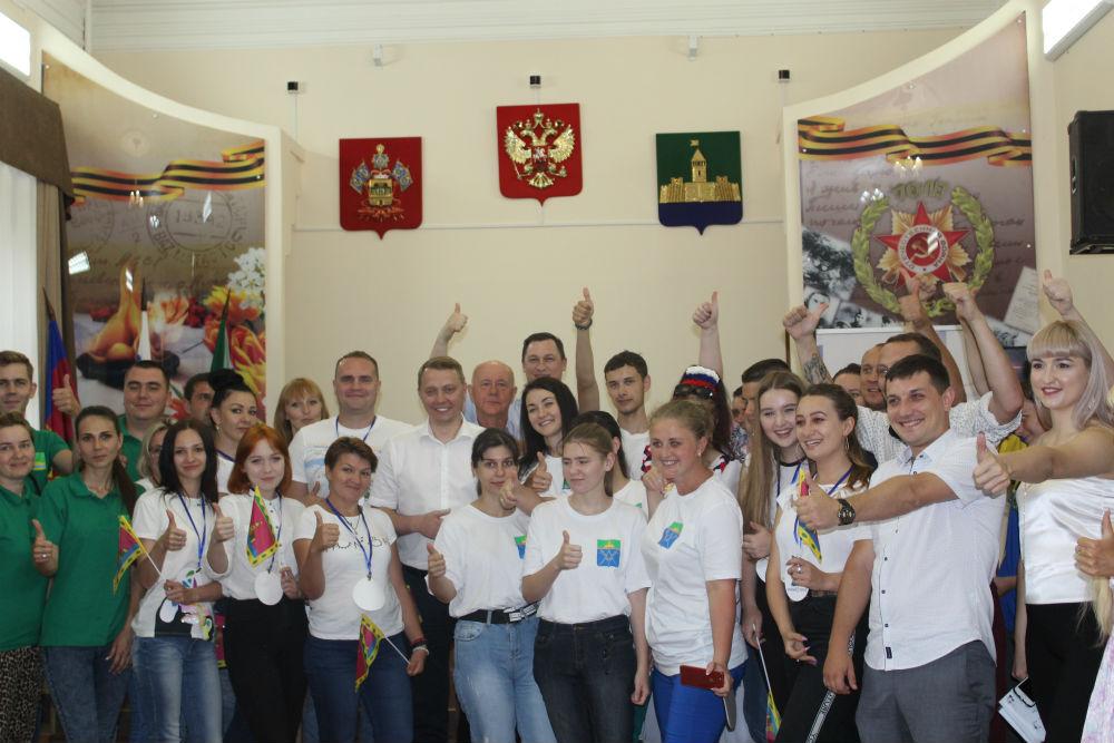 В Абинске прошли молодежные дебаты