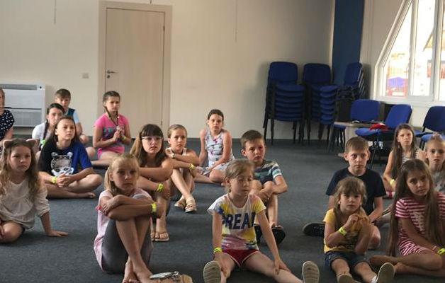 Школьники из Абинского района участвовали во II открытом Всероссийском театральном фестивале «Солнечный енот»