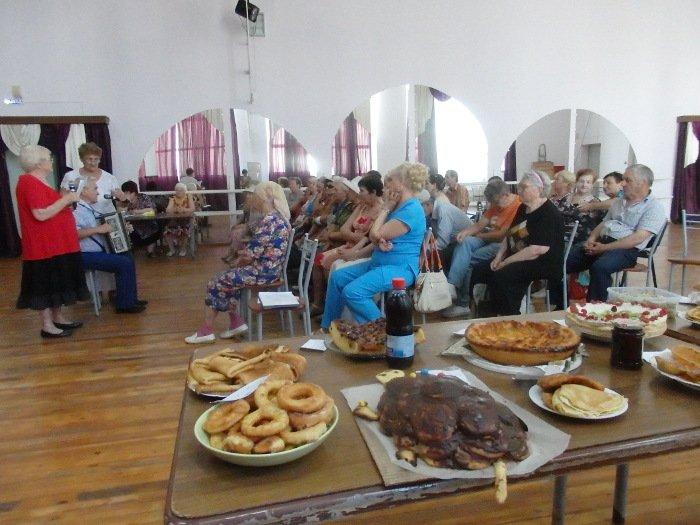 В абинском клубе «Собеседник» прошел традиционный конкурс кулинарного мастерства среди незрячих