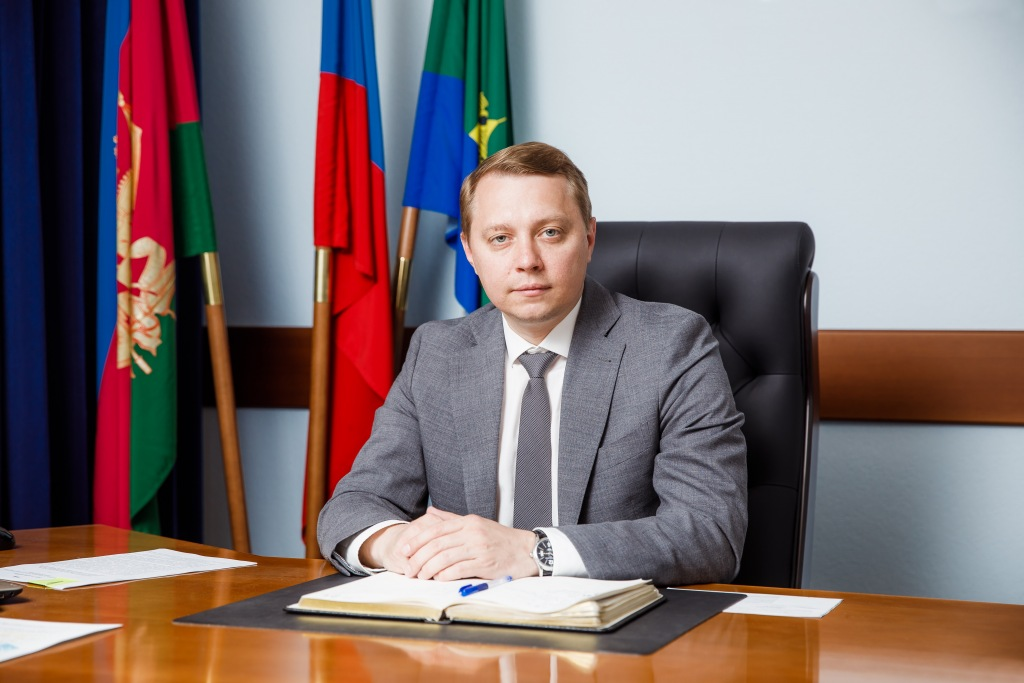 Рабочая неделя главы Абинского района начинается с приема граждан по личным вопросам