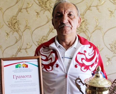 Секретами спортивного долголетия делится 73-летний Анатолий Григорьевич Баннов из села Варнавинского