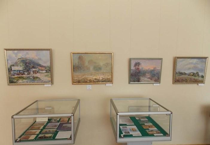 В музее Абинского района работает выставка «И солнца луч на утренней траве»