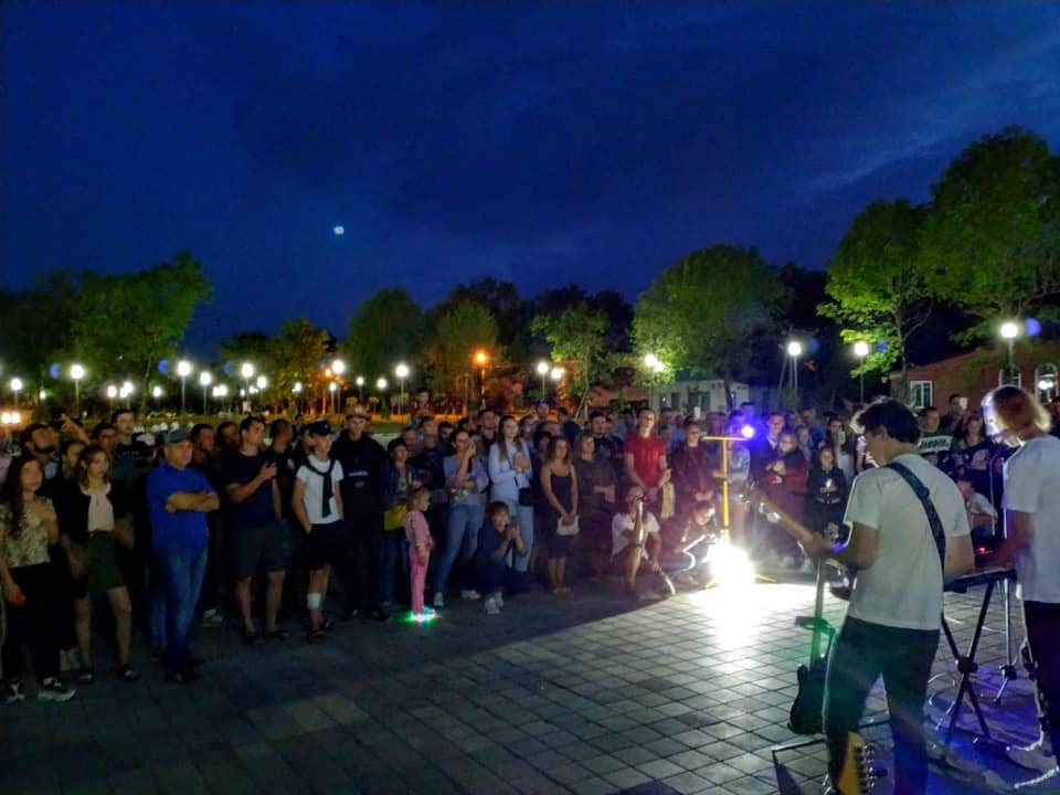 В Абинске прошел вечер памяти рок-музыканта Виктора Цоя