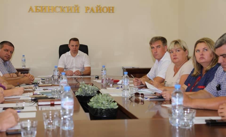 В Абинском районе в двух сельских школах откроются гимнастические спортзалы