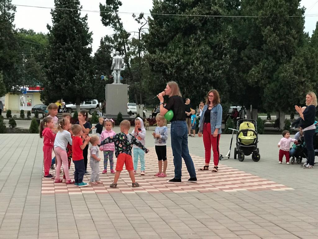 Весело и интересно отметили Яблочный Спас в поселке Ахтырском