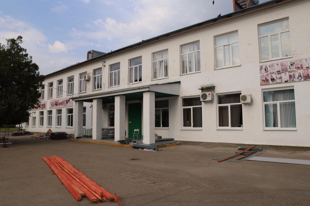 В школах Абинского района идут последние приготовления к началу учебного года