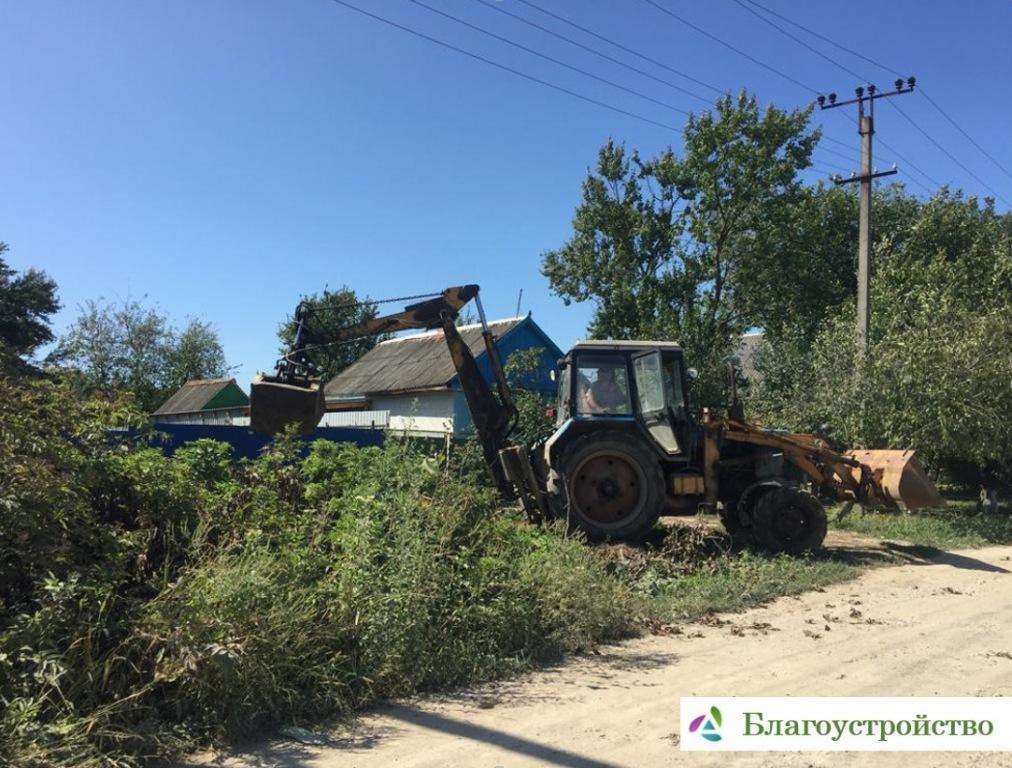 В Абинске ведутся работы по благоустройству