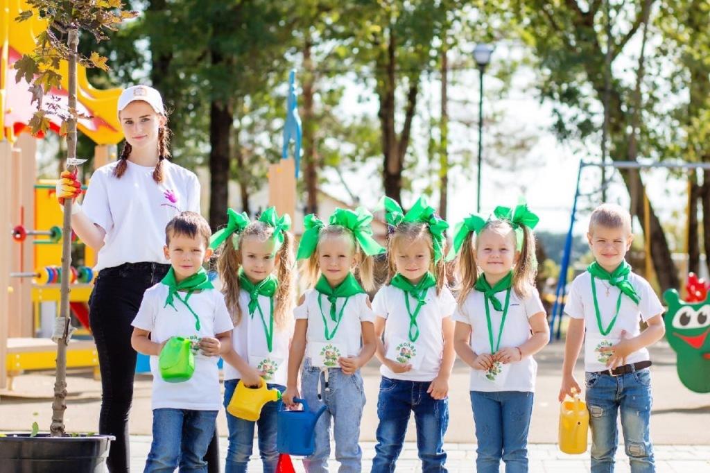 Молодежь Абинского приняла участие в интернет-марафоне «Я помогаю детям»