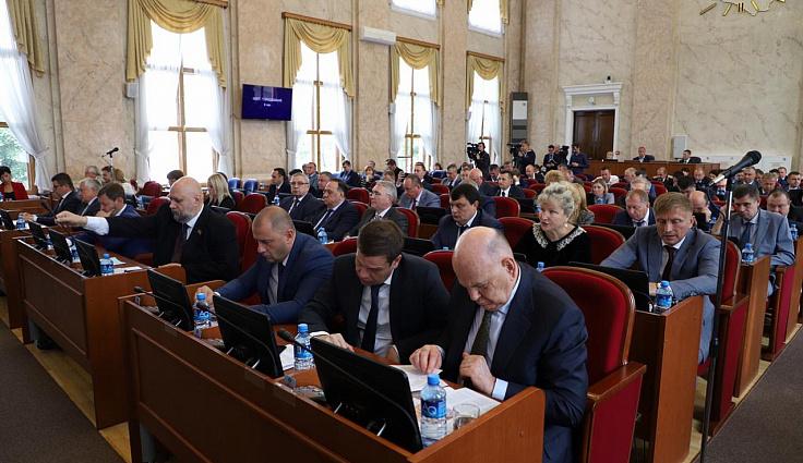 26-я сессия ЗСК: принят закон о сохранении памяти защитников Отечества