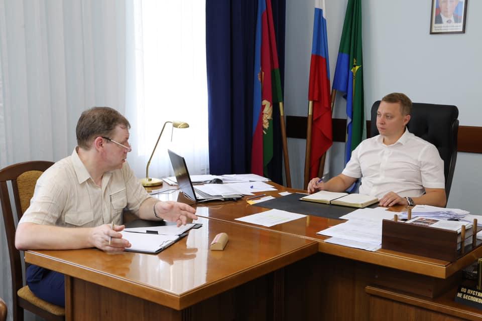 Глава Абинского района провёл рабочую встречу с руководителем Западно-Кубанского почтамта