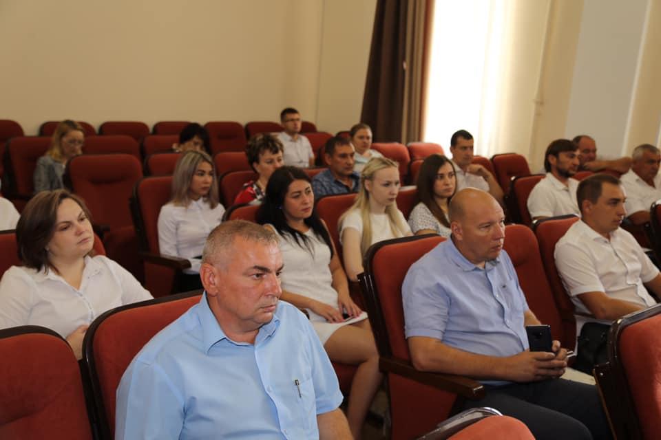 Итоги предвыборной кампании и Дня голосования, прошедших в Абинском районе, подвели на очередном аппаратном совещании