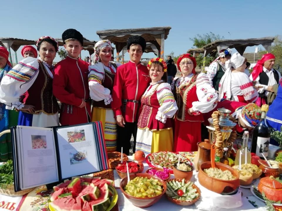 Вокальный ансамбль казачьей песни «Застава» представил Абинский район на фестивале в Атамани
