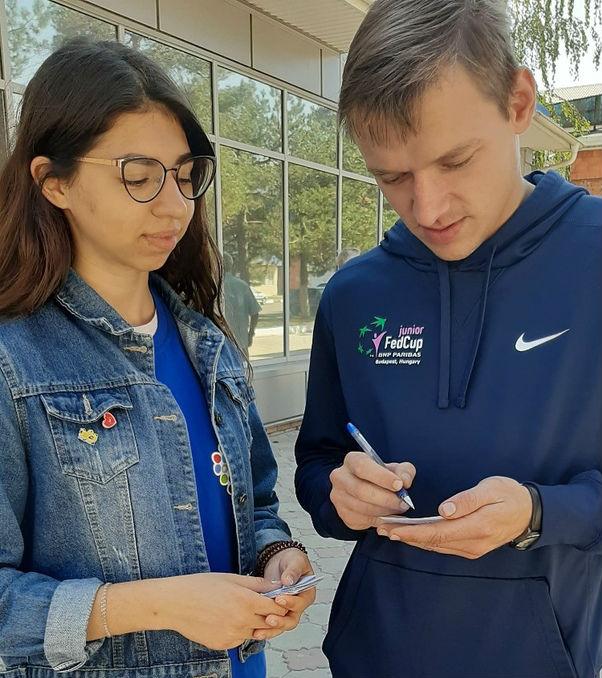 В Абинске провели социологический опрос среди подростков и молодежи на предмет отношения к табакокурению и алкоголю