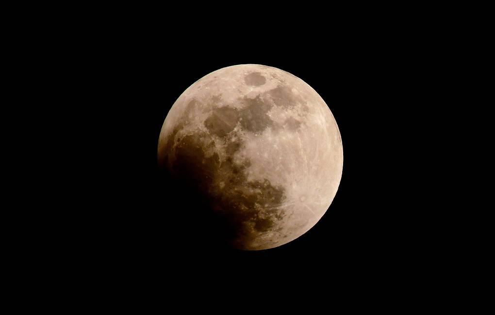 Первое лунное затмение 2020 года
