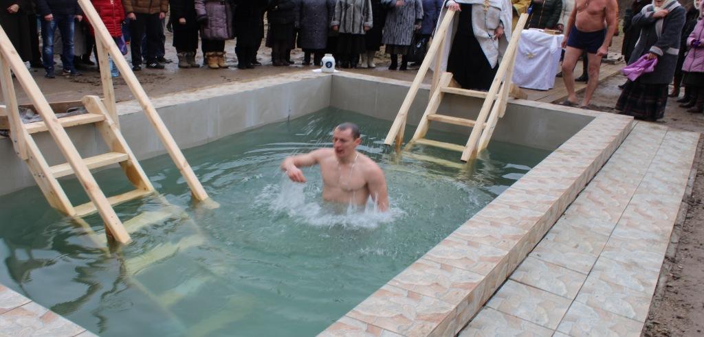 Купаться на Крещение можно только в специально отведенных местах