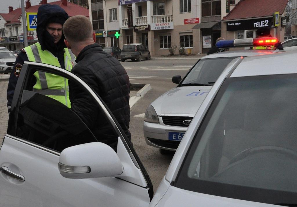 Полицейские и общественники провели совместный рейд