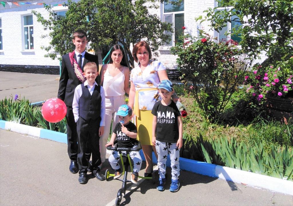 Елена СКРЫПНИК: «Главное в жизни – это семья и семейные ценности»