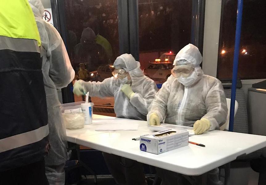 Краевые медики в аэропортах обследуют прибывших из-за границы жителей