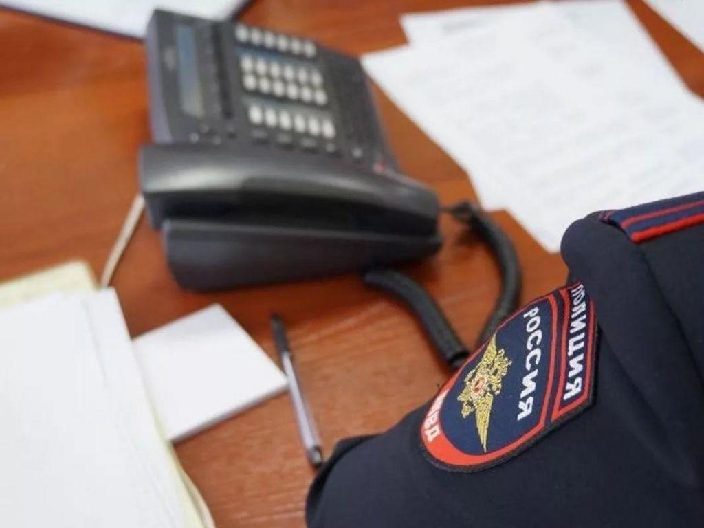 Полицейские проводят правовое информирование граждан