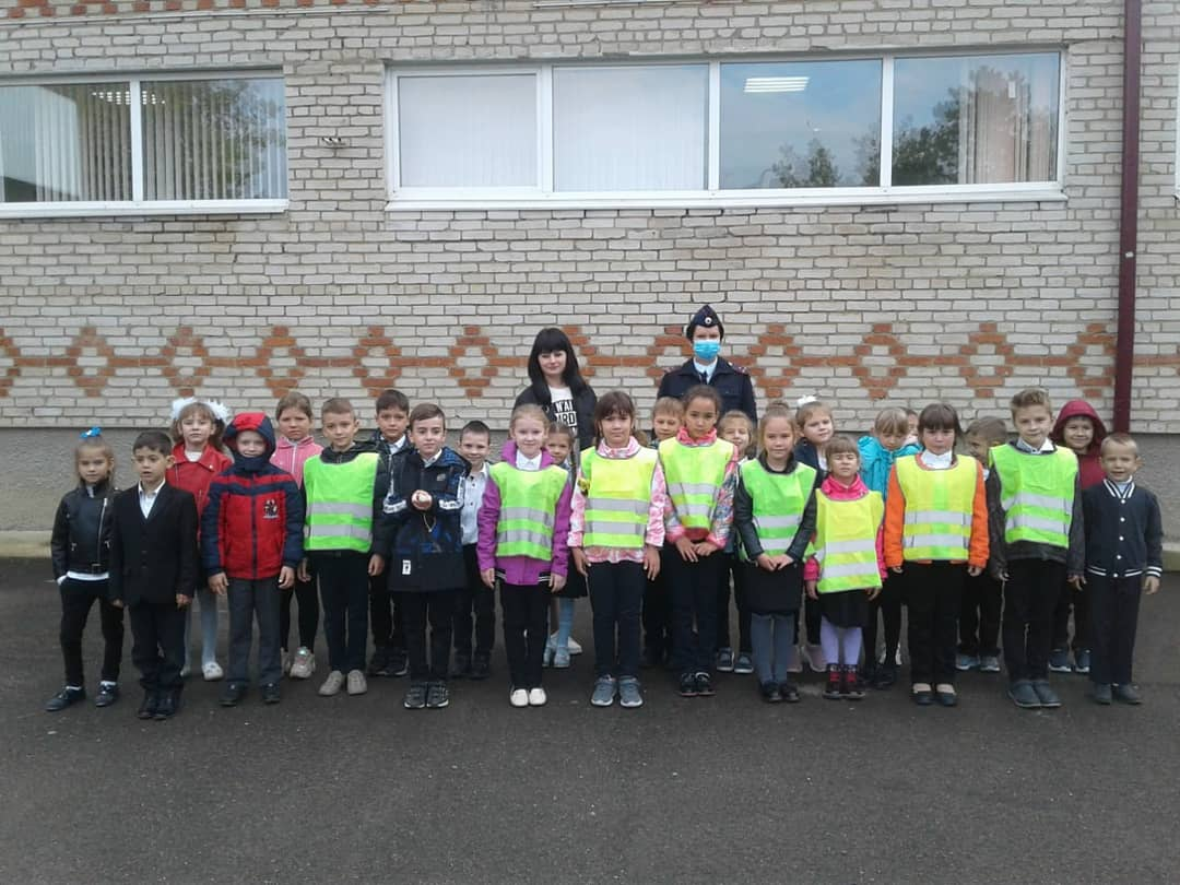 В преддверии школьных каникул сотрудники Госавтоинспекции провели уроки дорожной безопасности для детей.