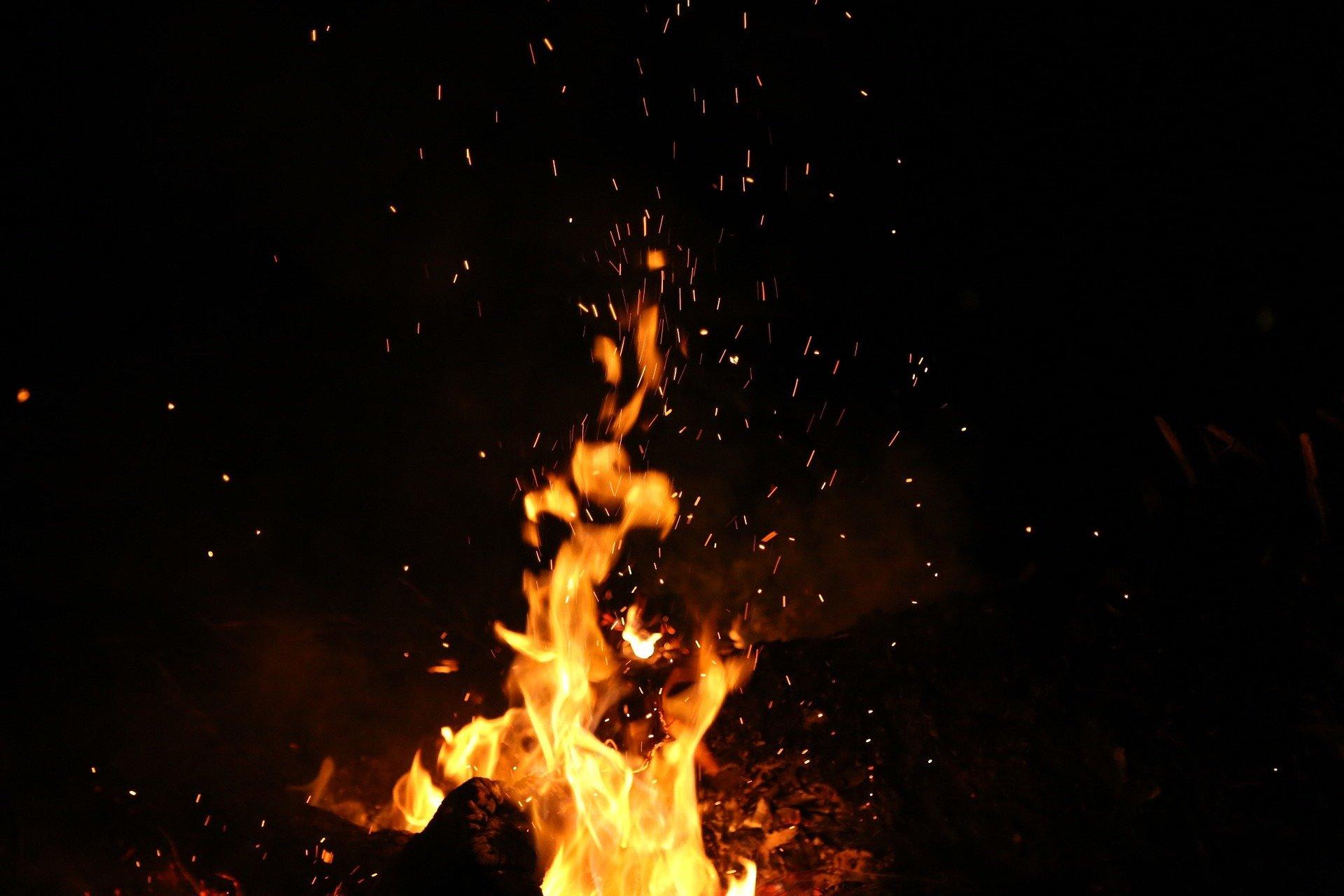 В Абинске возбуждено уголовное дело об угоне и поджоге автомобиля