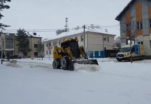 Пол сотни единиц техники работает на дорогах Абинского района