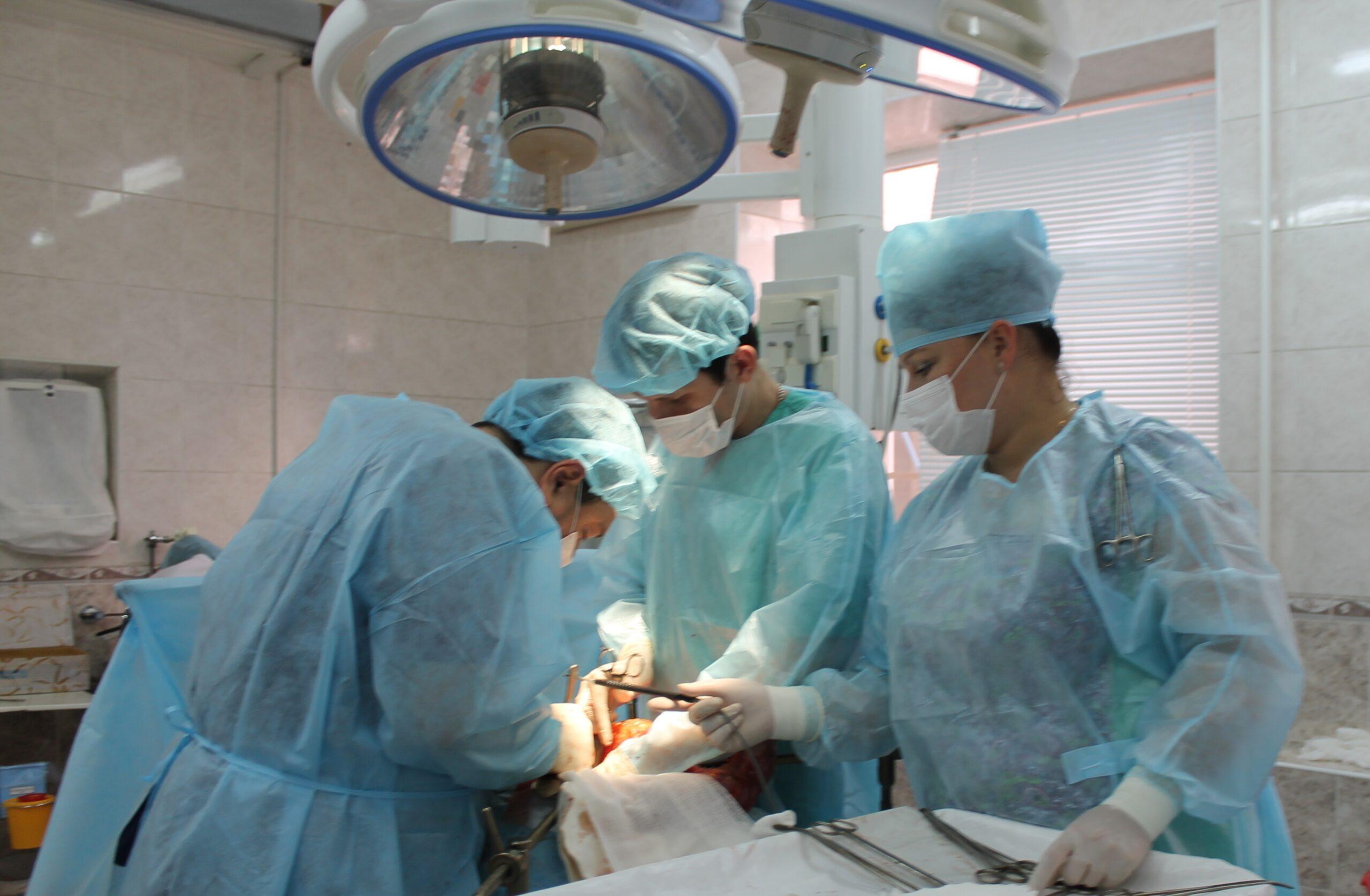Кубанские онкологи удалили пациенту опухоль весом более 7 кг