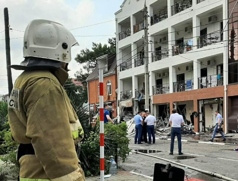 При взрыве газа в отеле Геленджика пять человек пострадали, четверо в реанимации