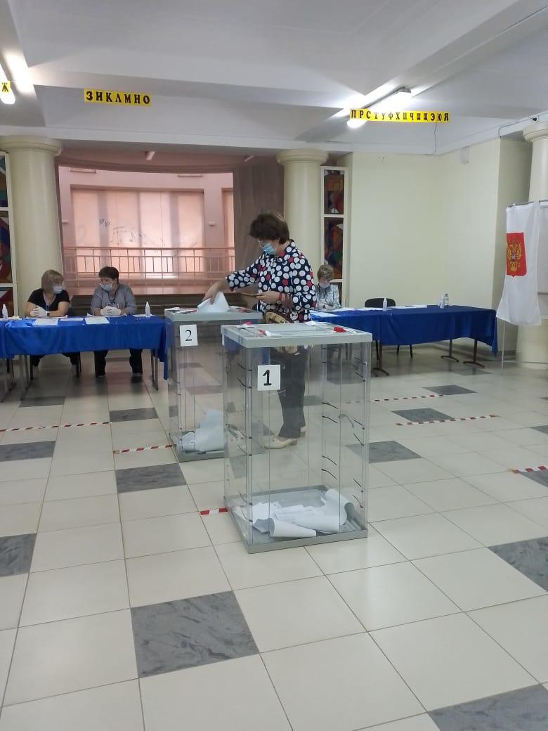 Даже пасмурный день — не преграда для голосующих