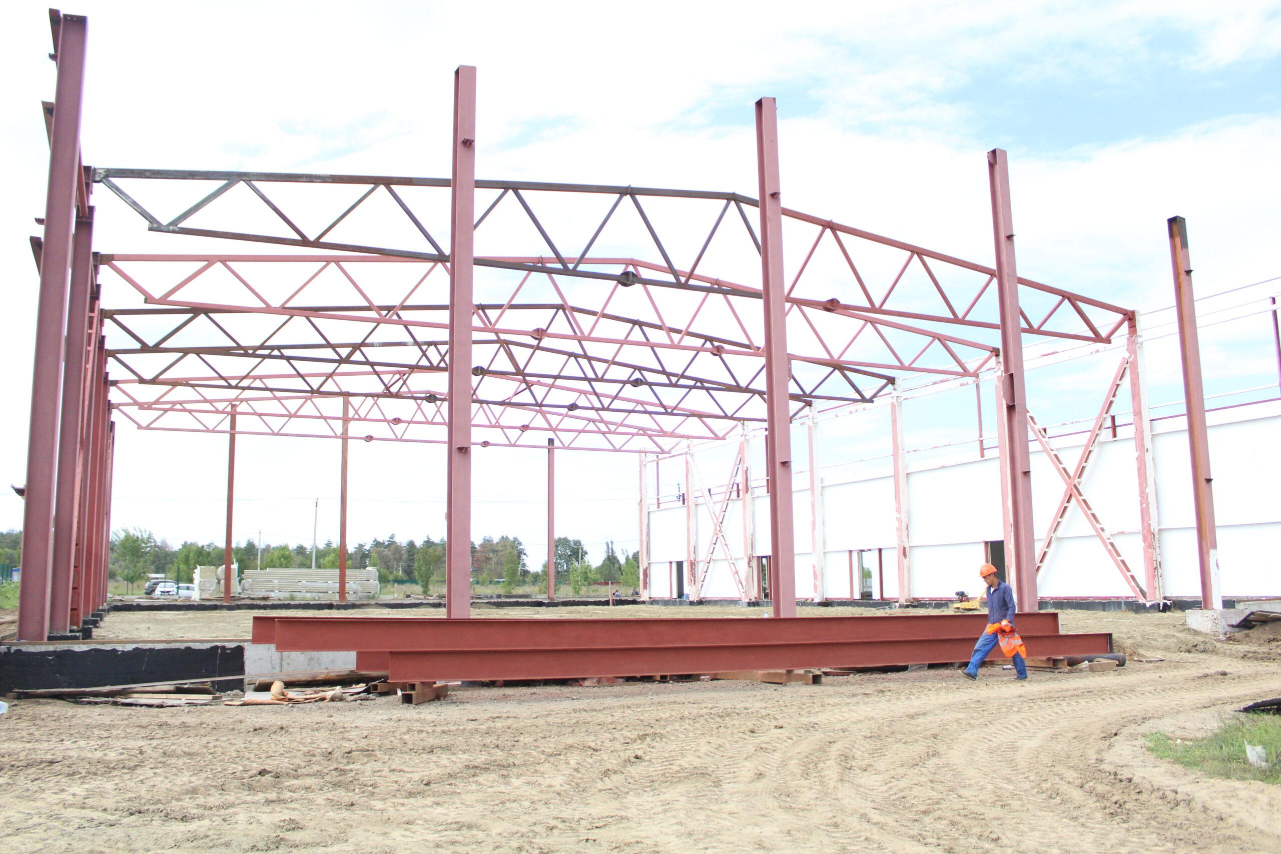 В городе Абинске по улице Спортивной ведется строительство Центра единоборств